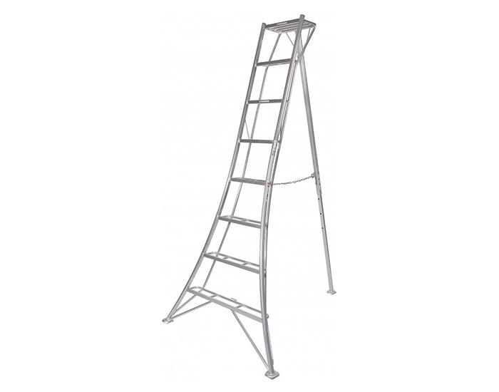 Niwaki Tripod Ladder gallery image 0